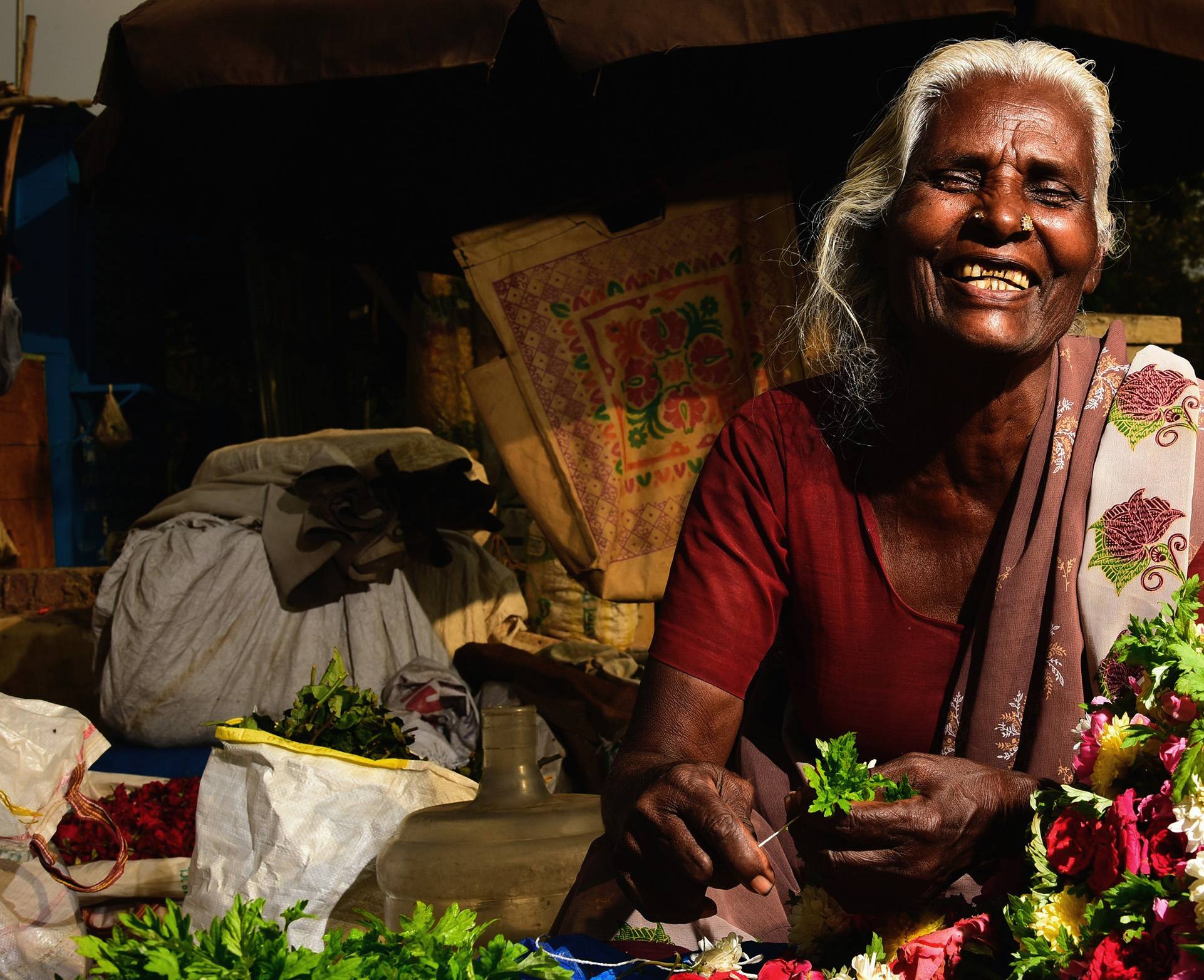 Mujer India en mercado